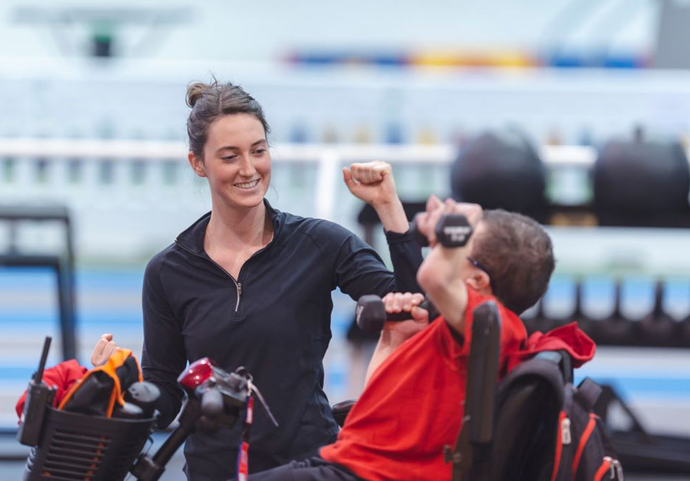 Exercise physiologist supporting NDIS participant